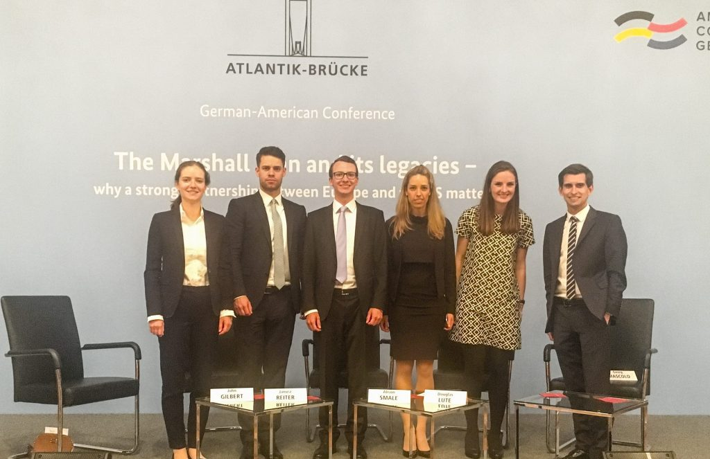 from left to right: Cosima Lill, Marc Mehrer, Fabian Baldauf, Claudia Friedrich, Louisa Plasberg, Matthias Rossbach